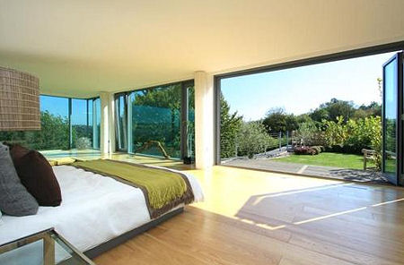 Grand designs wooden box house for sale zoopla for Grand bedroom designs