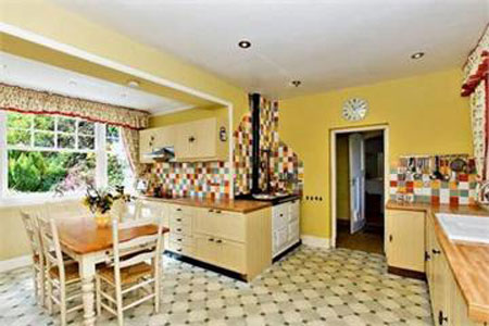 The kitchen of 5 bedroom house for sale in Brough