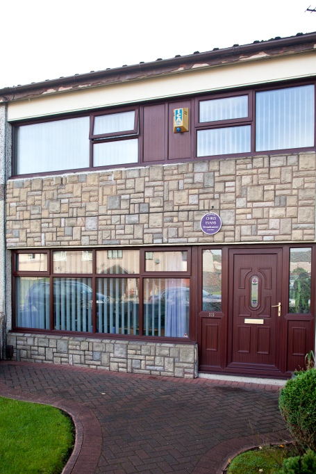 Former Warrington home of Chris Evans honoured by property website Zoopla.co.uk with a Purple Plaque
