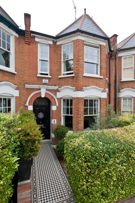Former London home of David Cameron honoured by property website Zoopla.co.uk with a Purple Plaque