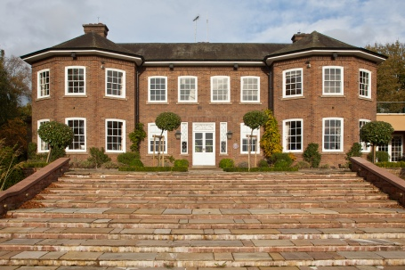 Former Cheshire home of Gary Barlow honoured by property website Zoopla.co.uk with a Purple Plaque