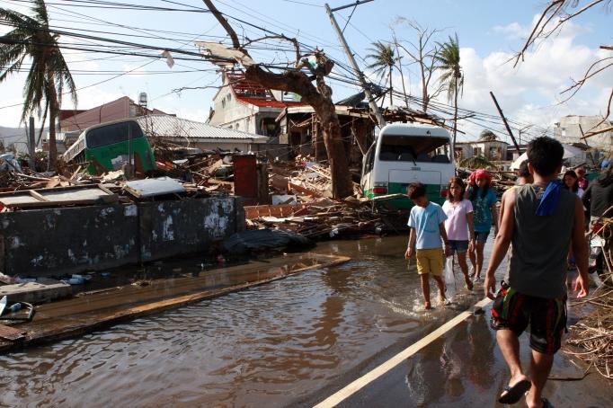 12.11.13 Philippines 2
