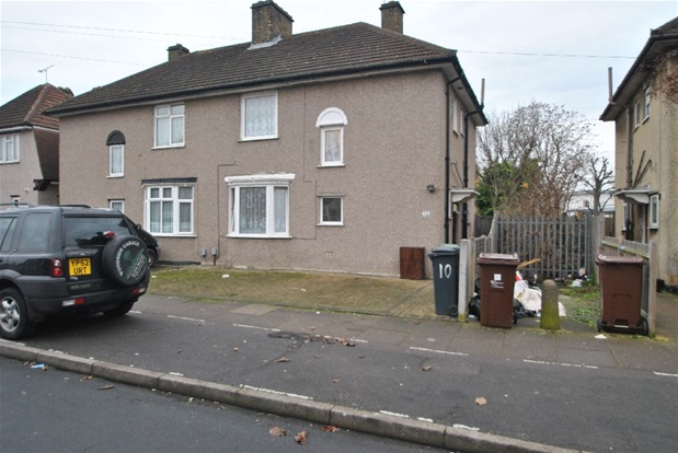 family houses with garden for less than 500k in central